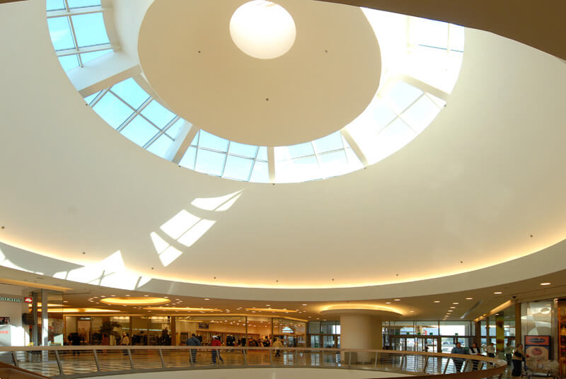 Centro Commerciale Roma Est interni soffitto